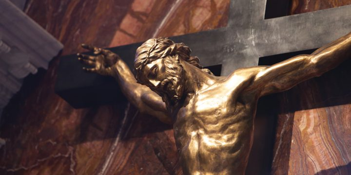 Gazing on the face of Christ: the freedom and love of the cross
